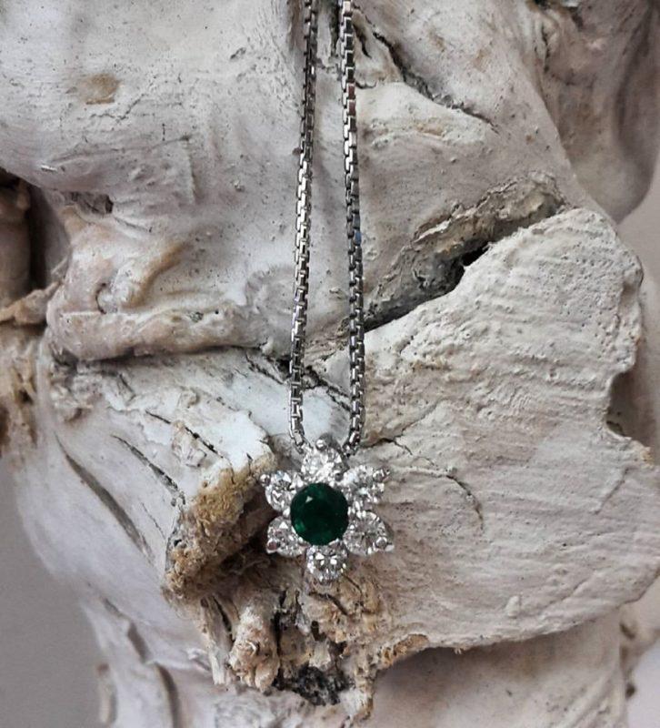 collana smeraldo verde naturale