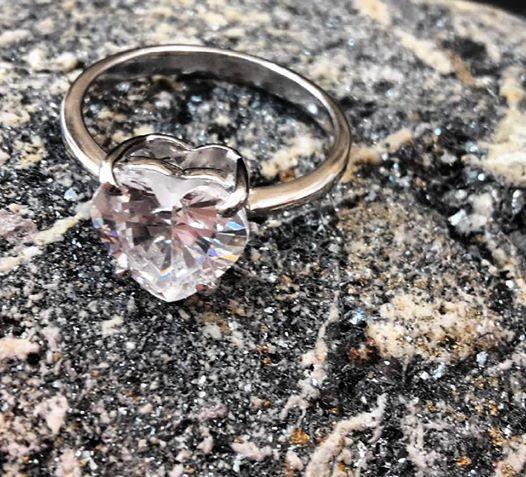 anello cuore zaffiro