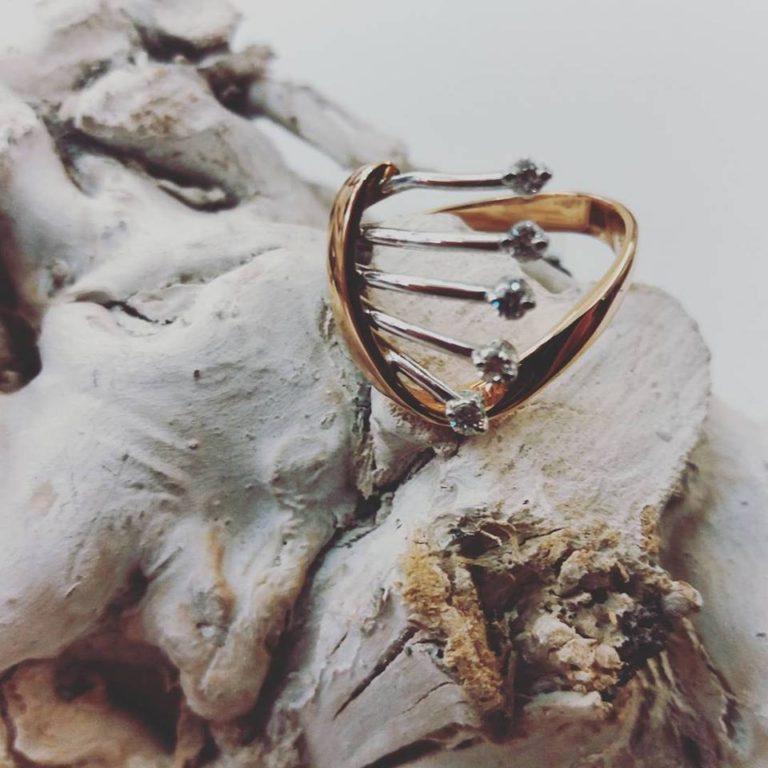 anello oro rosa e bianco con diamanti